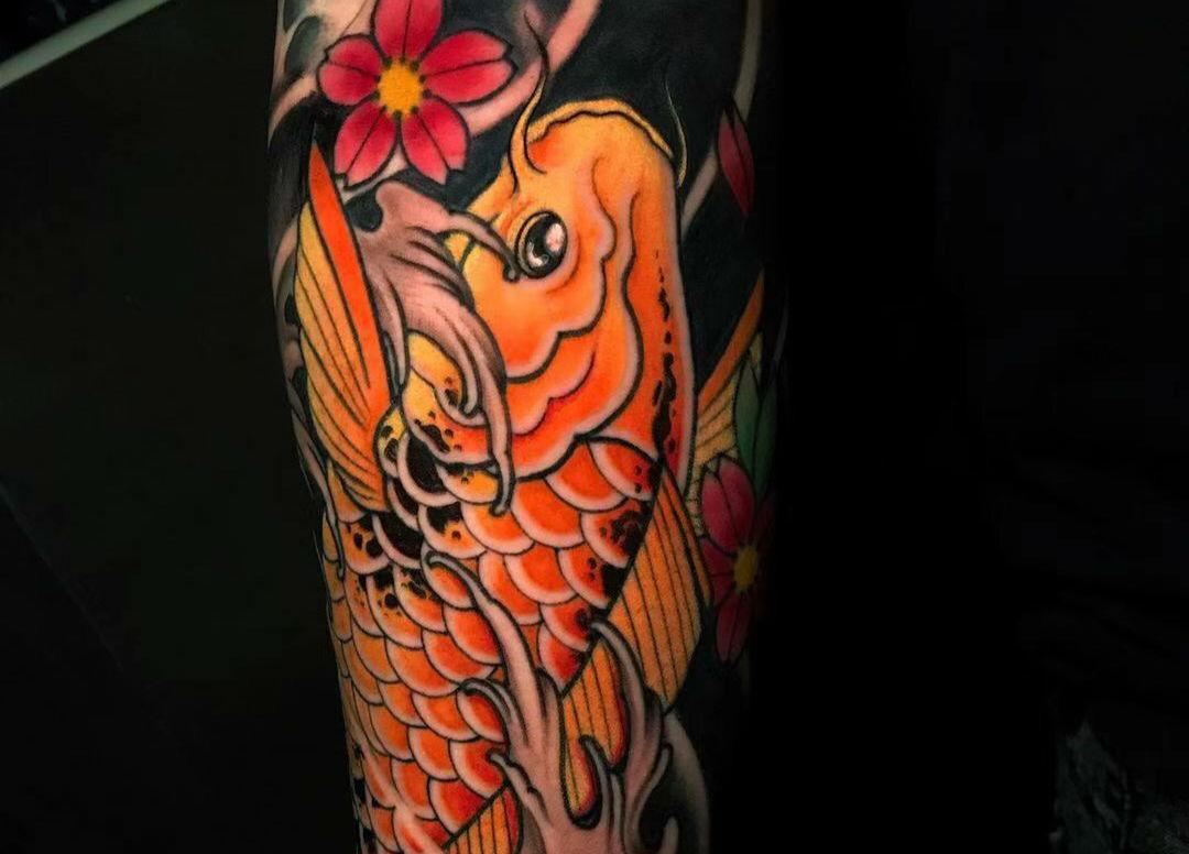 <strong>纹身鲤鱼图片_好运吉祥的鲤鱼纹身图案</strong>