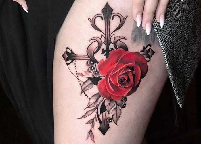 <b>欧美写实彩色玫瑰纹身图案素材</b>